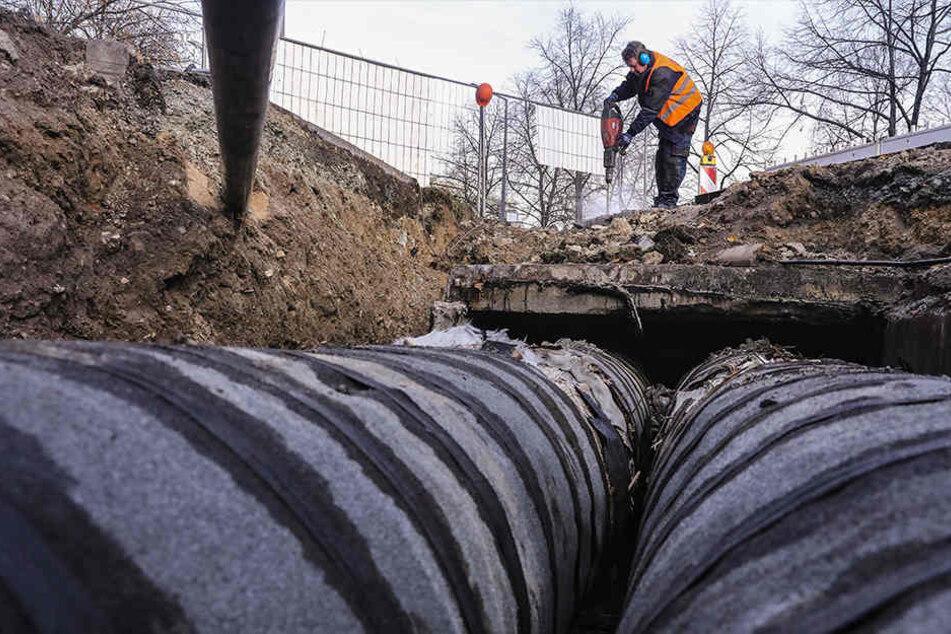 Diese Baustelle an der St. Petersburger sorgt bis Ende Januar für erhebliche Einschränkungen im Stadtverkehr.