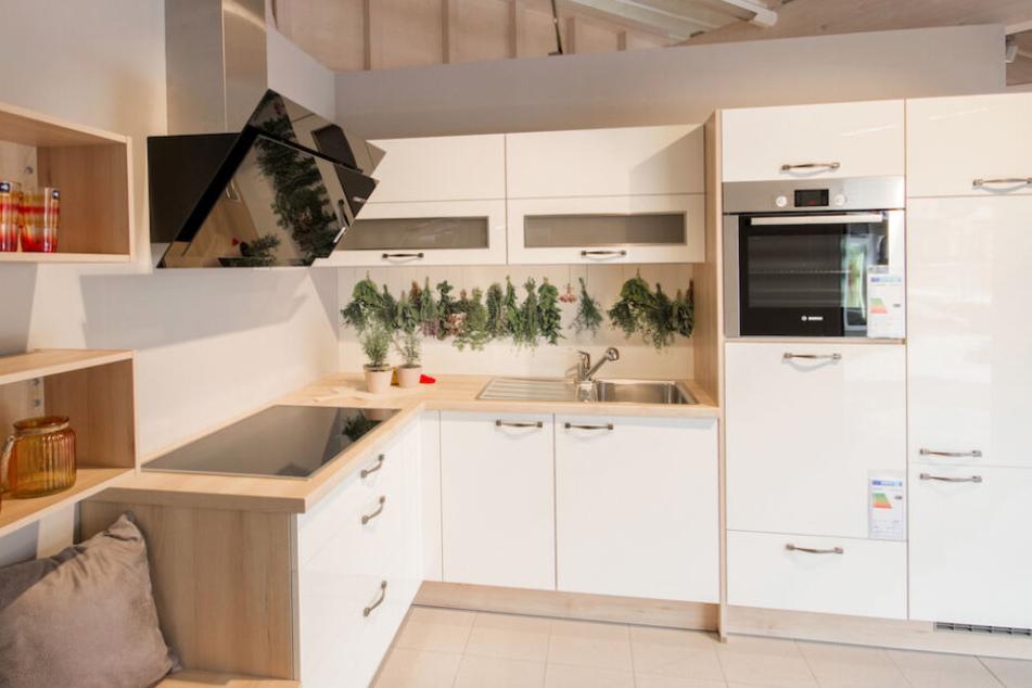 Hier findet Ihr eine riesige Auswahl an Top-Küchen und Neuheiten.