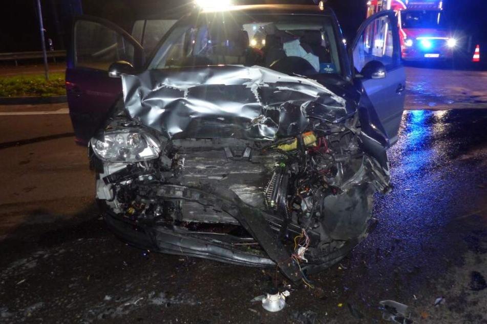 Schwerer Crash an Kreuzung: Sechs Verletzte