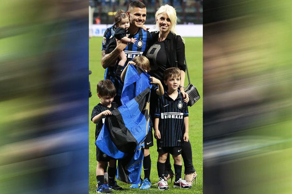 Mauro Icardi, seine Frau und Beraterin Wanda Nara sowie ihre Kinder nach einem Inter-Spiel.