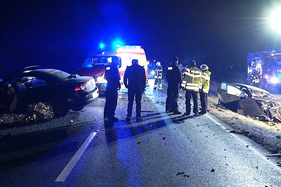 Einsatzkräfte mussten den 47-Jährigen aus seinem Fahrzeug befreien.