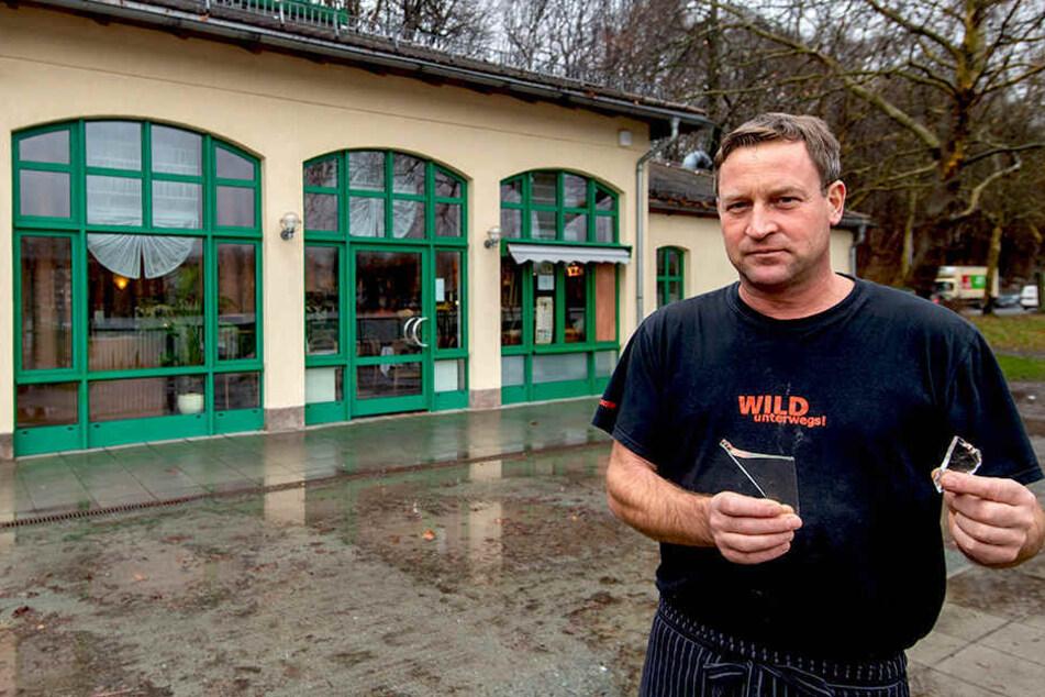 Immer wieder hat Café-Inhaber Falko Hirsch (45) Ärger mit Einbrechern.