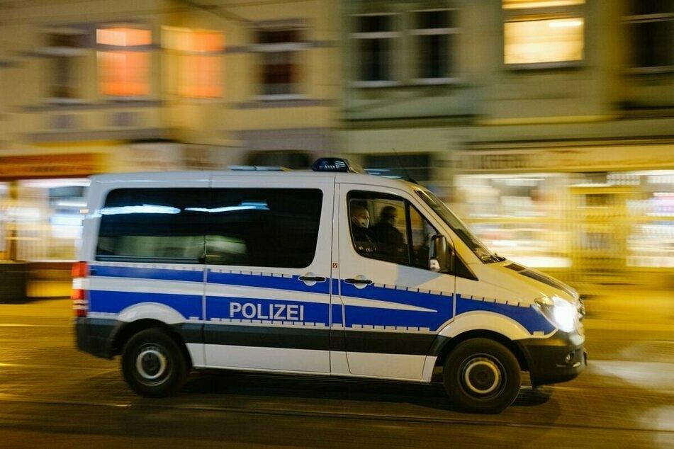 Die Polizei ermittelt wegen versuchter Tötung. (Symbolbild)