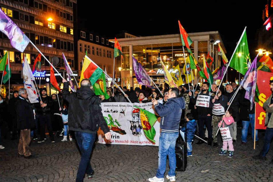 Die Demonstration am Jahnplatz verlief ruhig und friedlich.