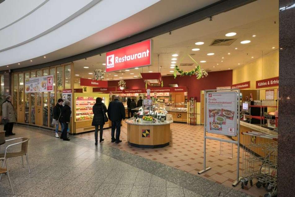 Das SB-Restaurant von Kaufland ist bald Geschichte. Ebenso das dazugehörige  Café. Beide schließen Ende Juli, 32 Mitarbeiter müssen gehen.