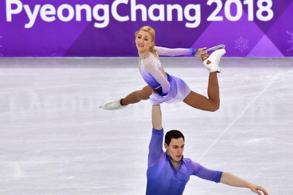 Aljona Savchenko und Bruno Massot haben Olympia-Gold im Paarlauf geholt.