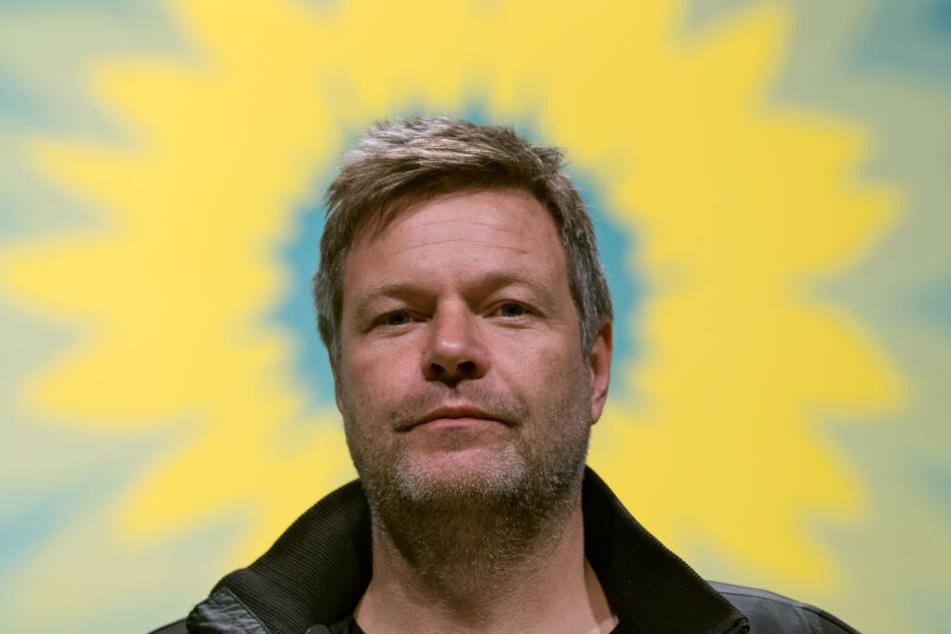 Robert Habeck, Bundesvorsitzender der Grünen: angesichts der aktuellen Umfragewerte dürften ihn Kramp-Karrenbauers Aussagen nicht um den Schlaf bringen. (Symbolfoto)