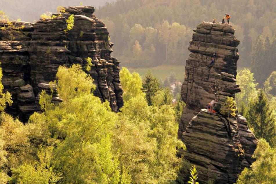 Im Bielatal soll das Klettern sicherer werden. Jetzt kommen 60 zusätzliche Ringe  in vorhandene Kletterwege.