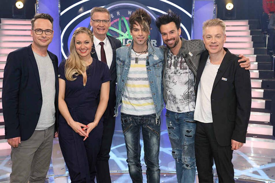 Diese Prominenten versuchen dieses Jahr die Million zu knacken (von links): Matthias Opdenhövel, Ruth Moschner (hinter ihr Günther Jauch), Christian und Andreas Ehrlich und Michael Mittermeier.