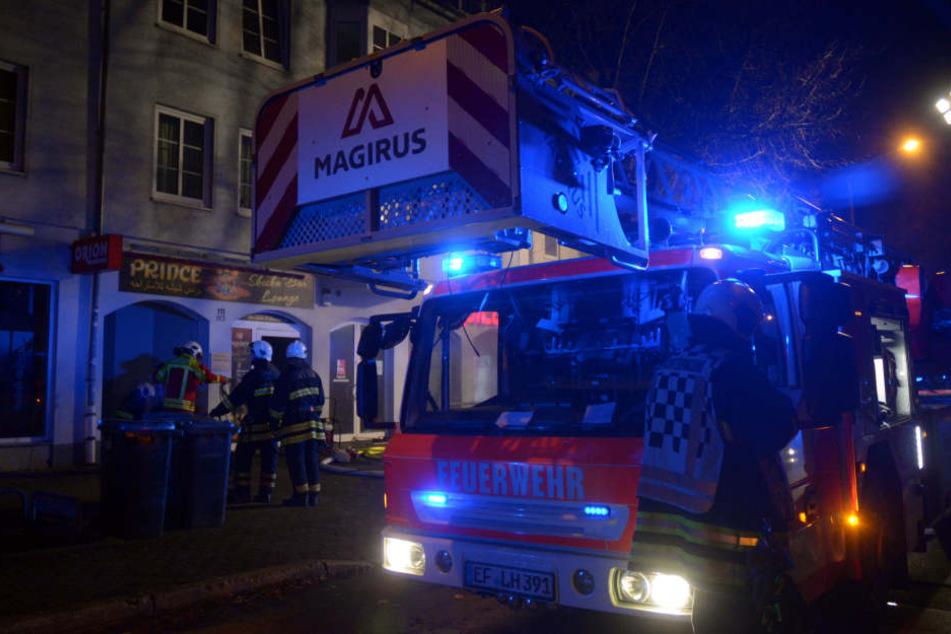 Die Berufsfeuerwehr und die Freiwillige Feuerwehr Ilversgehofen eilten zum Brandort.
