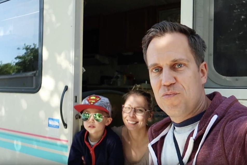 """Ihre Weltreise dokumentieren die Gimberts auf ihrem YouTube-Channel """"PlanLos Familienvlog""""."""