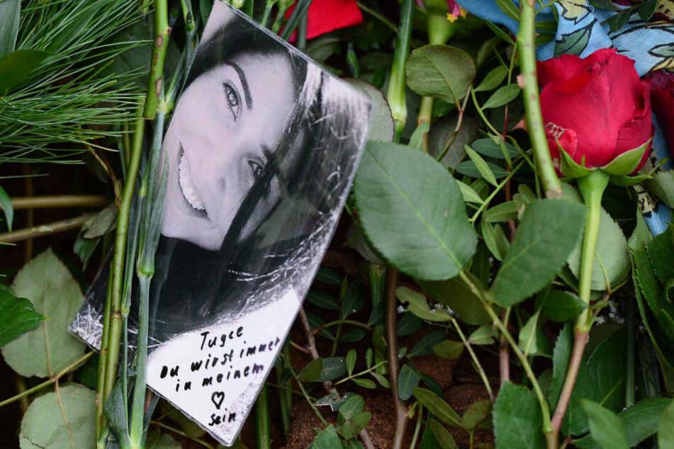 Die 22-Jährige starb nachdem sie im November 2014 geschlagen wurde und auf den Kopf fiel.
