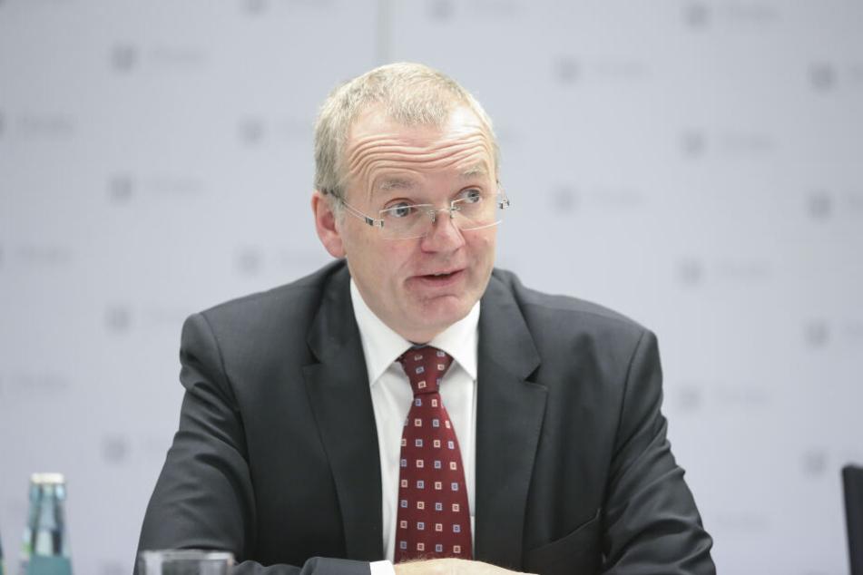 Zog Bilanz der Ordnungswidrigkeiten 2018: Dresdens Ordnungsbürgermeister Detlef Sittel (51, CDU).