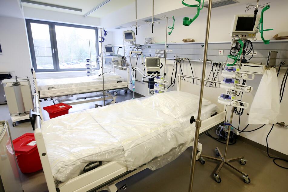 In Deutschland sind nach aktuellen Zahlen der Deutschen Interdisziplinären Vereinigung für Intensiv- und Notfallmedizin (DIVI) fast 13.000 Intensivbetten frei. (Symbolbild)