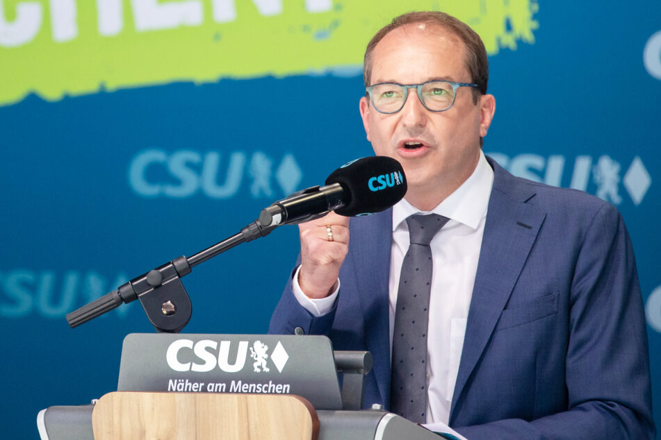 Alexander Dobrindt (51) ist der Spitzenkandidat der CSU für die Bundestagswahl im September dieses Jahres.