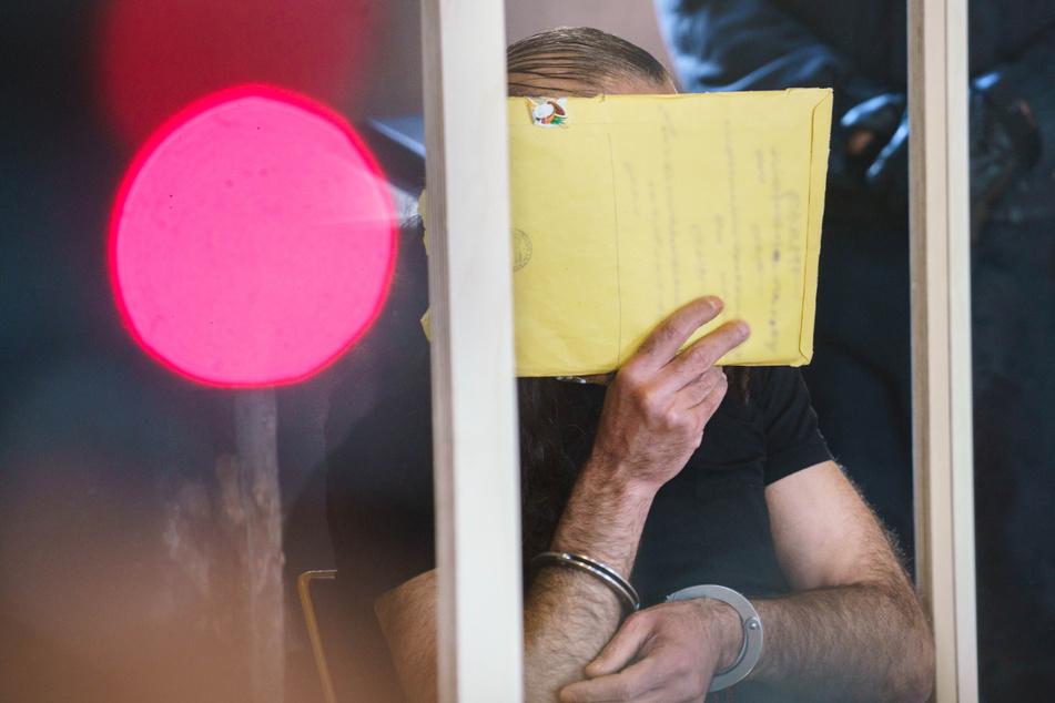 Mord an Tochter (19): Vater soll Tat gegenüber Zellengenossen gestanden haben!