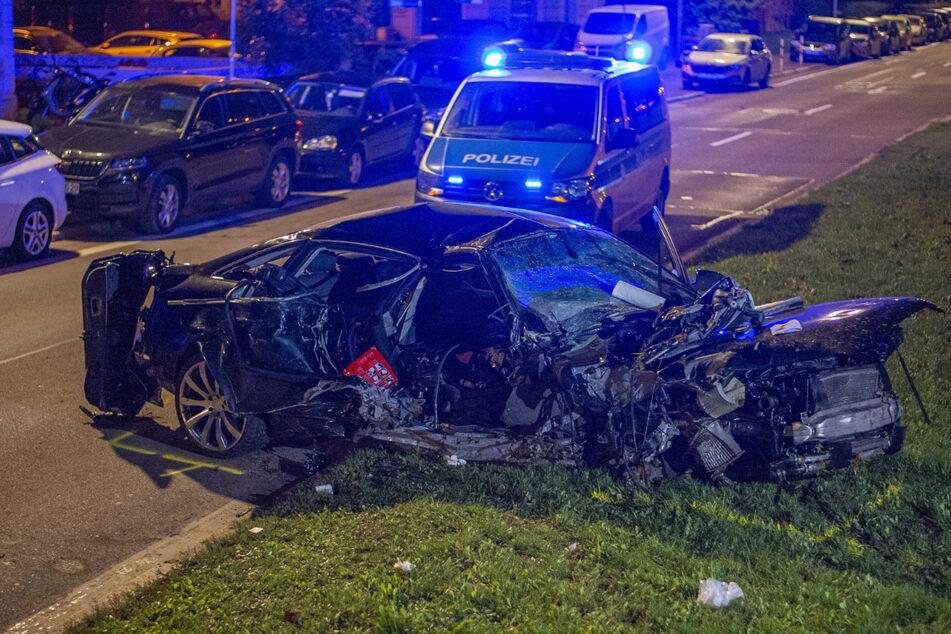 Horror-Unfall: Teenager schrottet Luxus-Audi