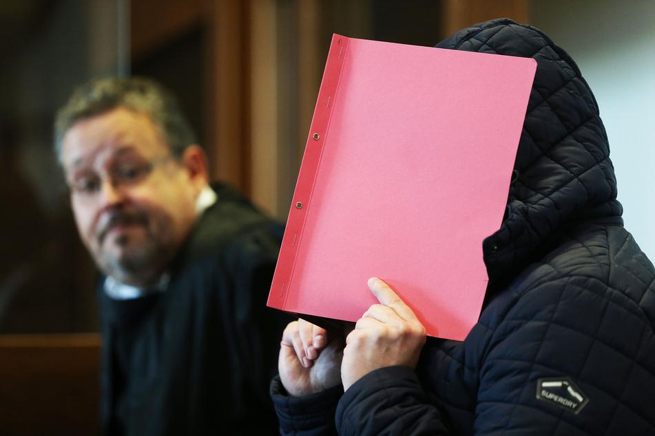 Lange Haftstrafe für Angeklagten im Missbrauchsfall Bergisch Gladbach