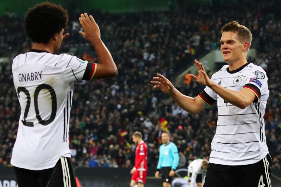 Matthias Ginter (26) absolvierte bislang 29 Länderspiele für Deutschland. Hier bejubelt er sein Hacken-Traumtor zum 1:0 beim 4:0-Sieg gegen Weißrussland am 16.11.2019 in Mönchengladbach.