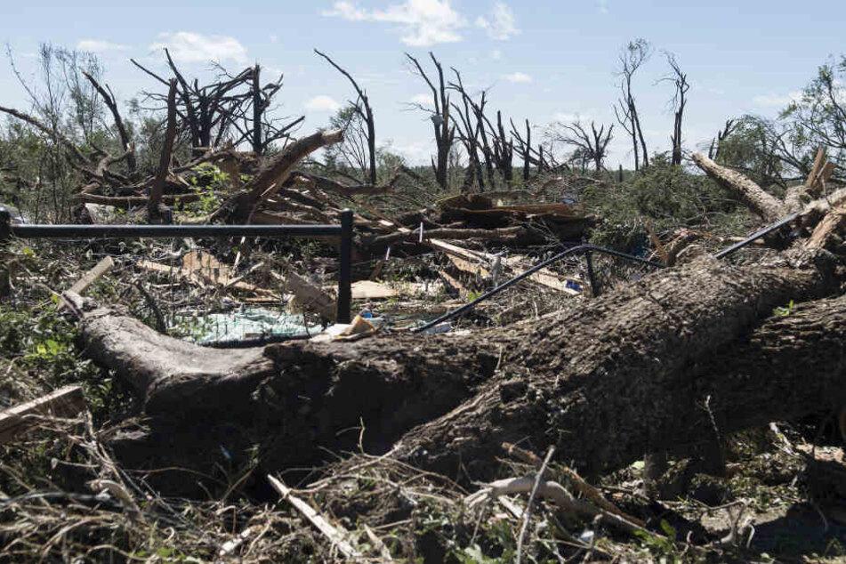 Texas wurde am Sonnabend gleich von mehreren Tornados getroffen. Sie hinterließen eine Spur der Verwüstung.