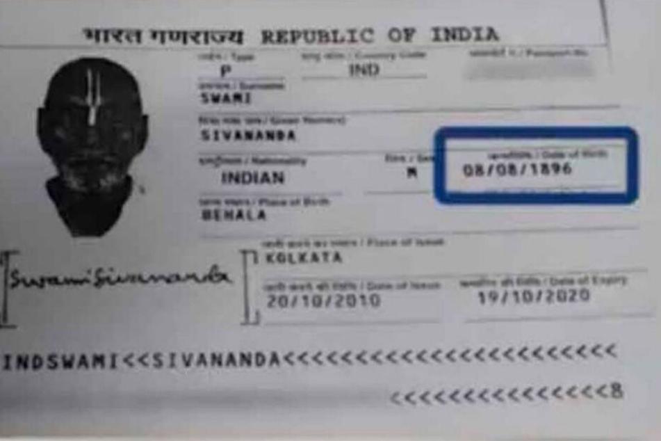 Laut seines Ausweises ist Swami Sivananda 123 Jahre alt.