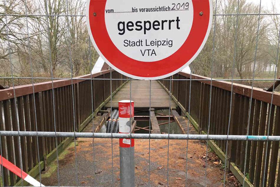 Die Bauernbrücke kann wegen mangelnder Standsicherheit weiterhin nicht überquert werden.