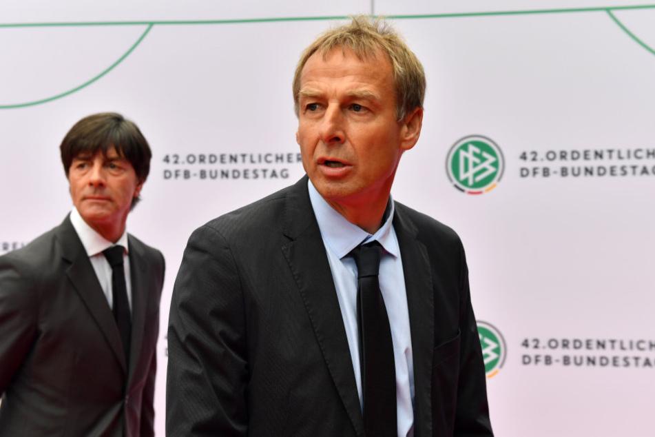 Auch Bundestrainer Joachim Löw kam zur Verleihung des Preises an Jürgen Klinsmann.