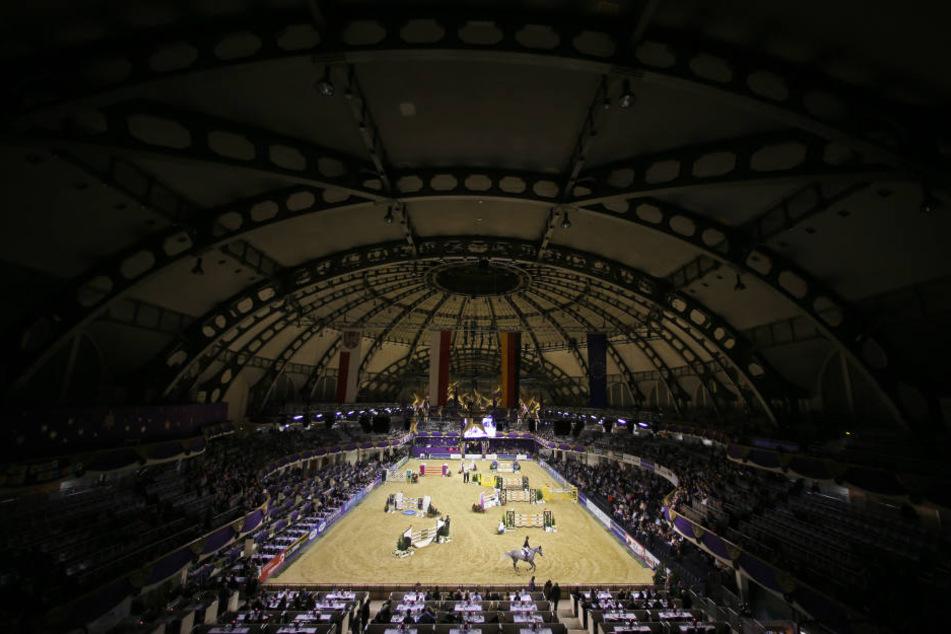 In der Frankfurter Festhalle fanden am Wochenende zahlreiche Reit-Wettbewerbe statt. (Symbolfoto)