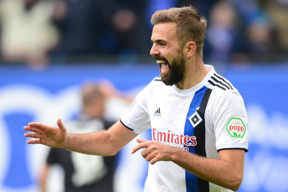 HSV-Stürmer Lukas Hinterseer freut sich über seine Treffer.