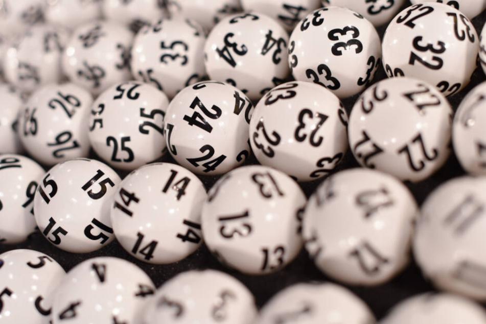 Dieses Mal waren die Gewinnzahlen 1, 7, 16, 19, 26 und 31. (Symbolbild)