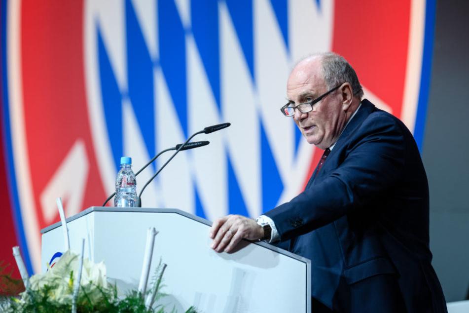 Uli Hoeneß wurde auf der Jahreshauptversammlung des FC Bayern kritisiert.