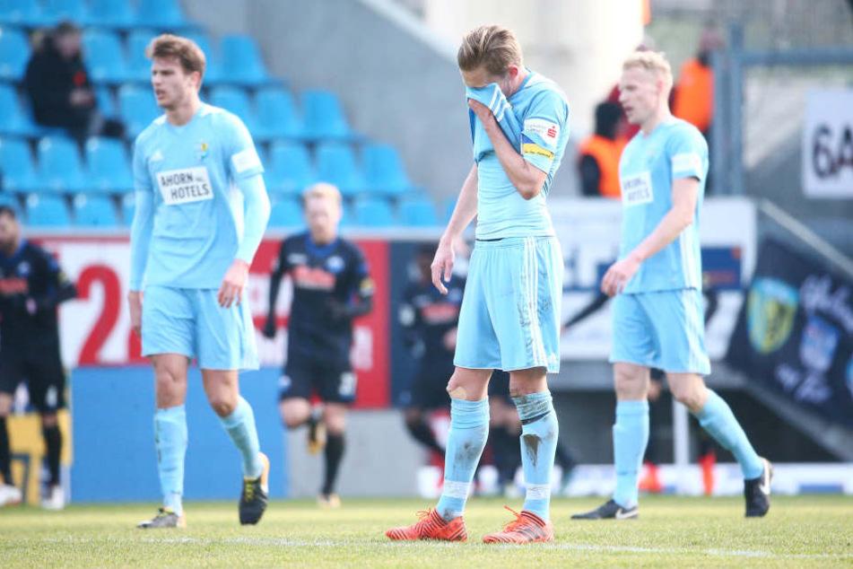 Die 7. pleite in Folge: Die Himmelblauen unterliegen dem SC Paderborn mit 0:2 (0:1).