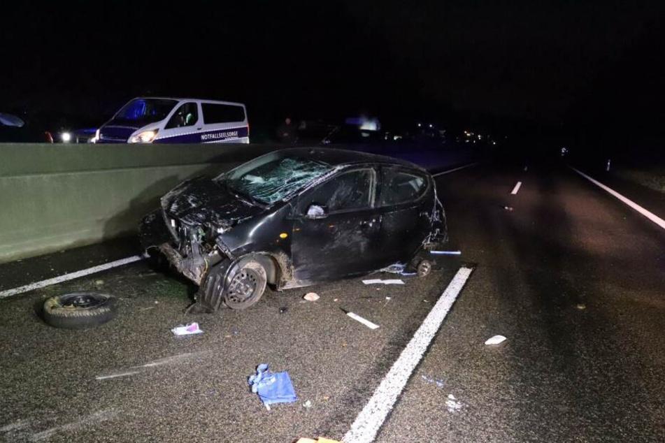 Die Autofahrerin (†31) wurde infolge einer Kollision aus dem Fahrzeug geschleudert.
