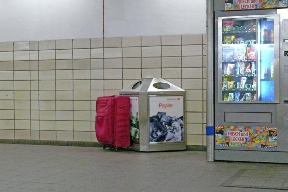 Dieser herrenlose Koffer sorgte am Donnerstagvormittag für eine Vollsperrung am Hauptbahnhof.