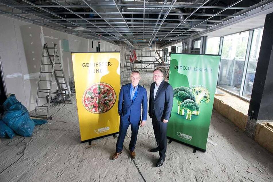 Die Konsum-Vorstände Dirk Thärichen (47, r.) und Michael Faupel (50) erhoffen  gute Geschäfte, planen sogar weitere Filialen.
