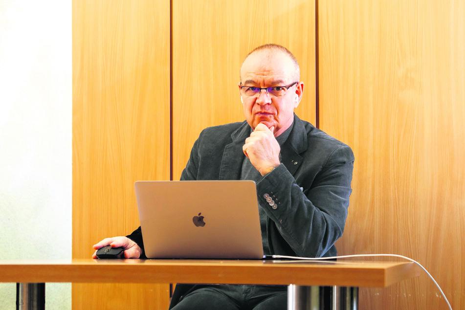 Chemnitz: Uni-Psychologe weiß: Kontaktsperre kann lebensgefährlich sein