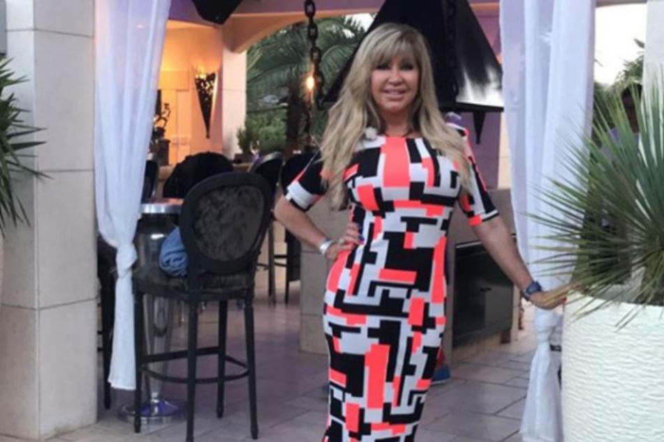 Mysteriöse Botschaft? Trägt Carmen Geiss etwa ein QR-Code-Kleid?