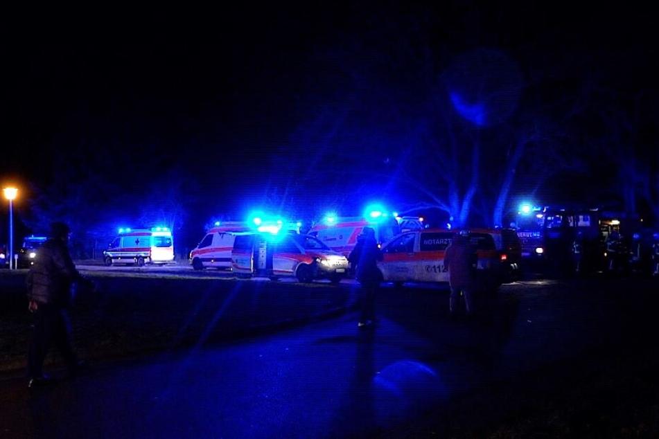 Zahlreiche Einsatzkräfte waren vor Ort, darunter 74 Feuerwehrkameraden.