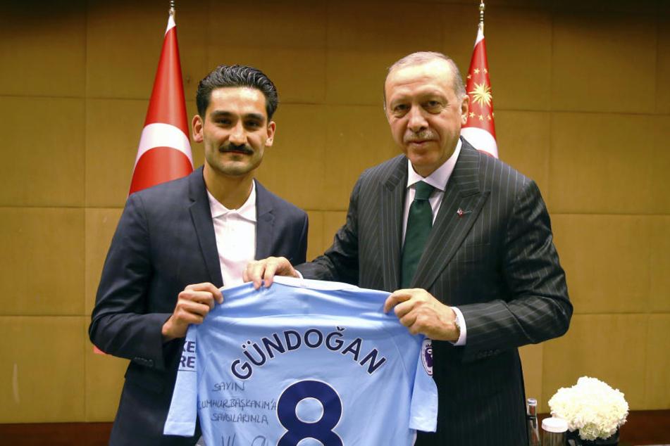 Ilkay Gündogan ließ sich ebenfalls beim Treffen mit Recep Tayyip Erdogan ablichten.