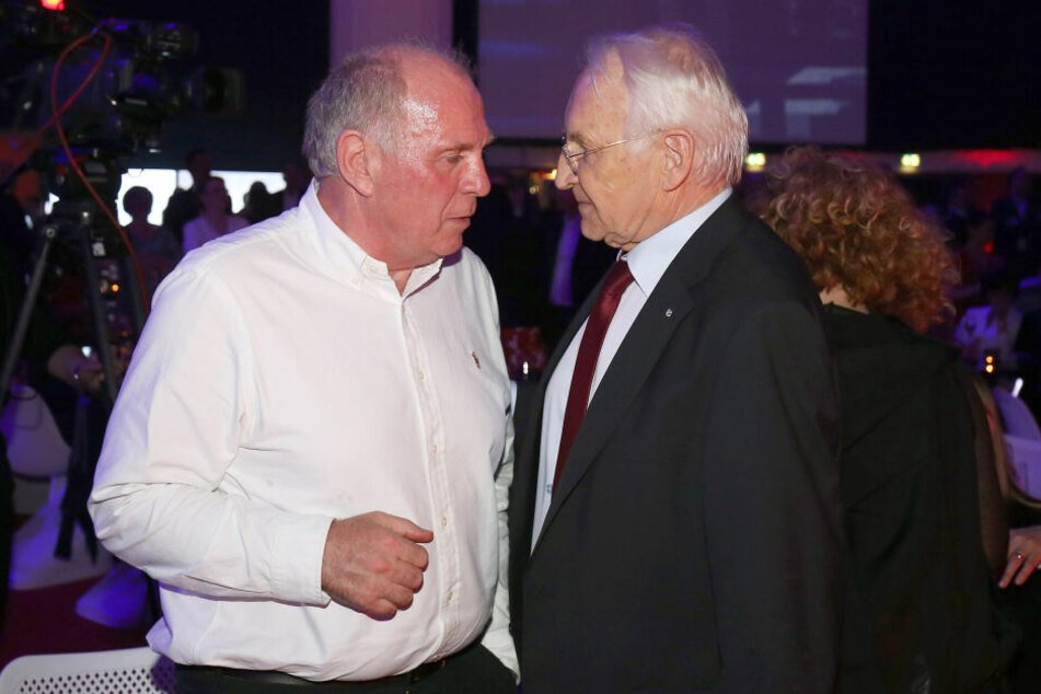 Uli Hoeneß (l,, 67) und Edmund Stoiber (77) sind langjährige Weggefährten. (Archivbild)