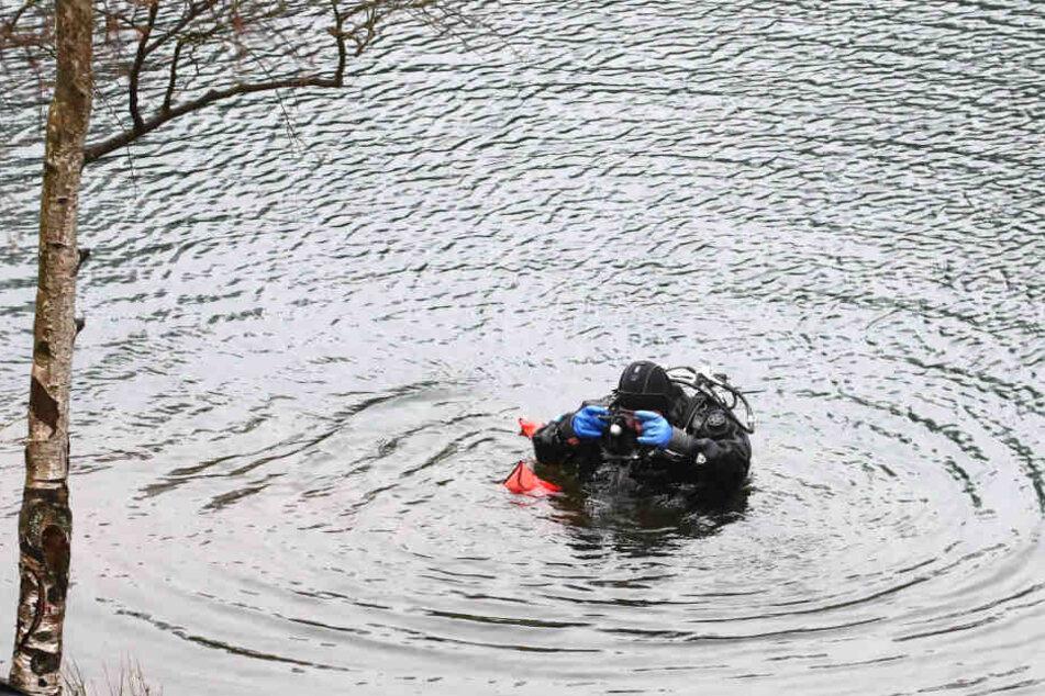 Polizei findet toten Mann in Fluss