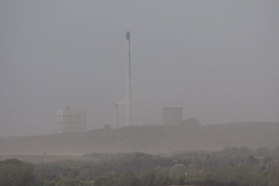 Heftige Winde sorgten am Freitagnachmittag für Sandstürme in Teilen Sachsen-Anhalts.