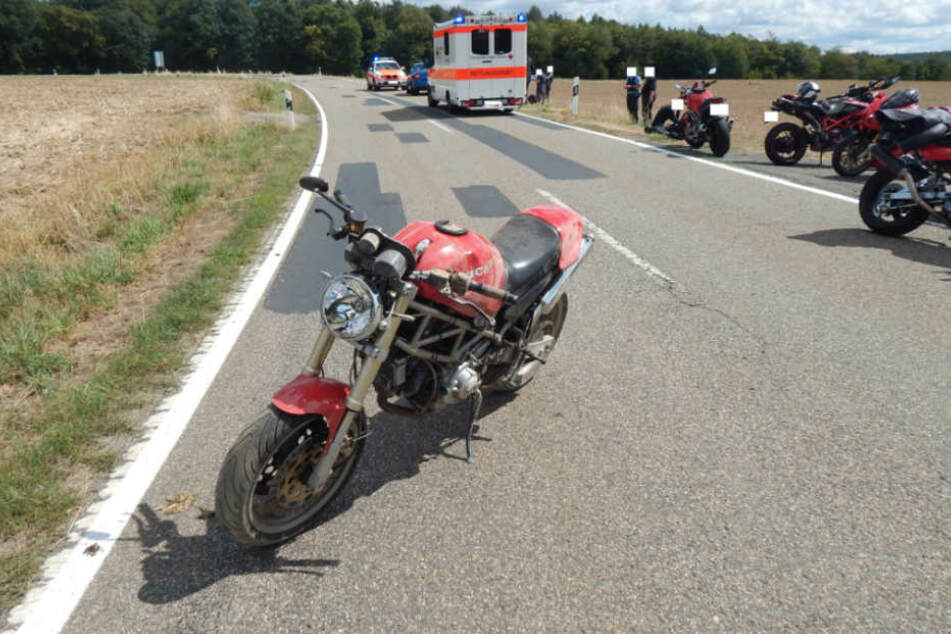 In einer Linkskurve verlor der Mann die Kontrolle über sein Fahrzeug.