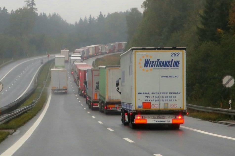 Auf der A4 staute sich der Verkehr kilometerweit.