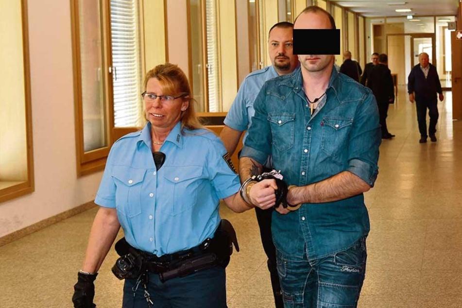 Unfallfahrer David K. (31) entschuldigte sich beim Vater des Opfers. Um eine Haftstrafe kam er aber nicht herum.