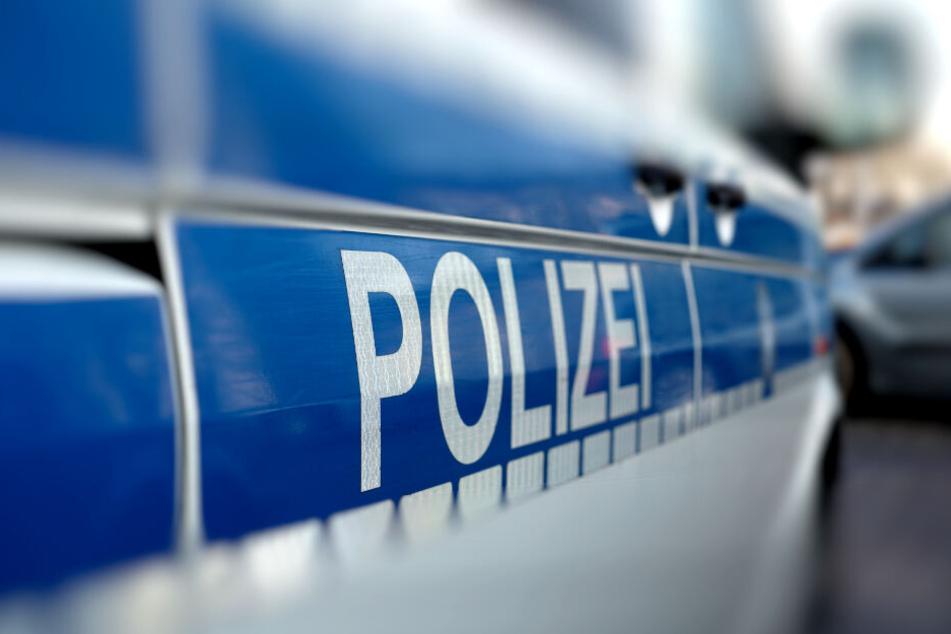 Hinweise sollen an die Polizei gerichtet werden. (Symbolbild)