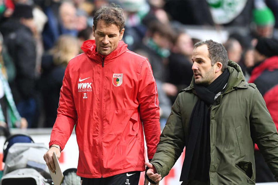 Manuel Baum (rechts) und sein Co-Trainer Jens Lehmann sind ihren Posten in Augsburg los.