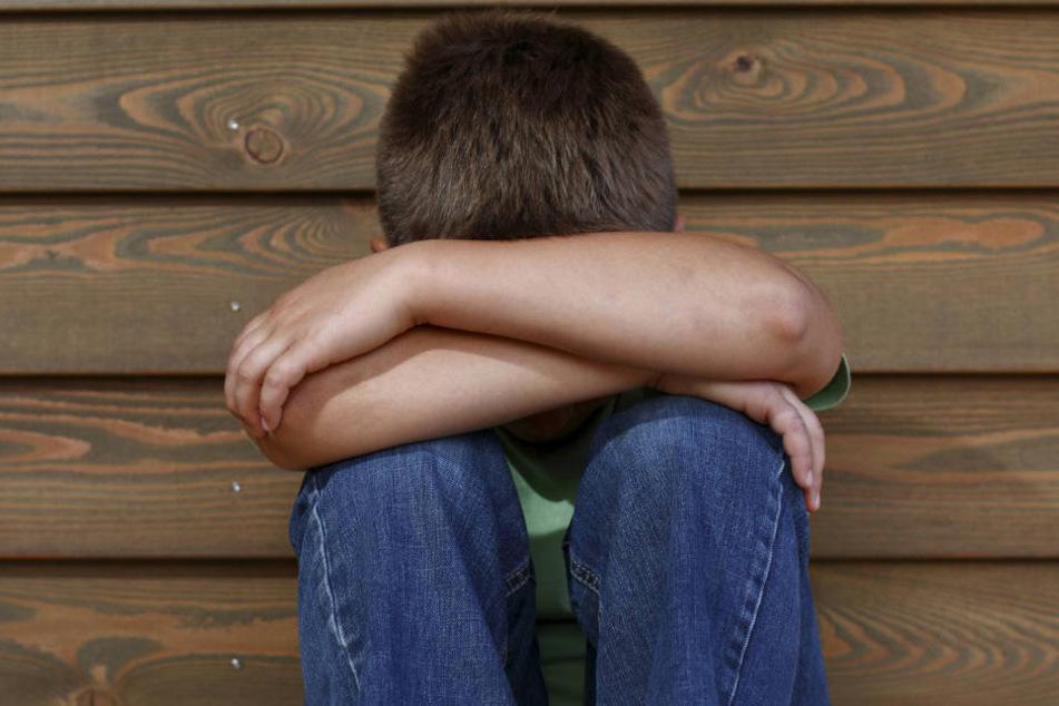 Als er 12 Jahre alt war, missbrauchte ihn seine Mutter das erste Mal (Symbolbild).