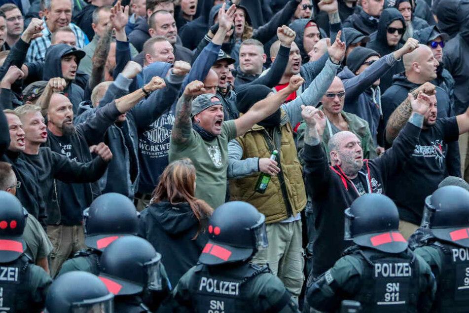 In 2018 kam es in Chemnitz zu hässlichen Szenen zwischen politisch motivierten Bürgern.