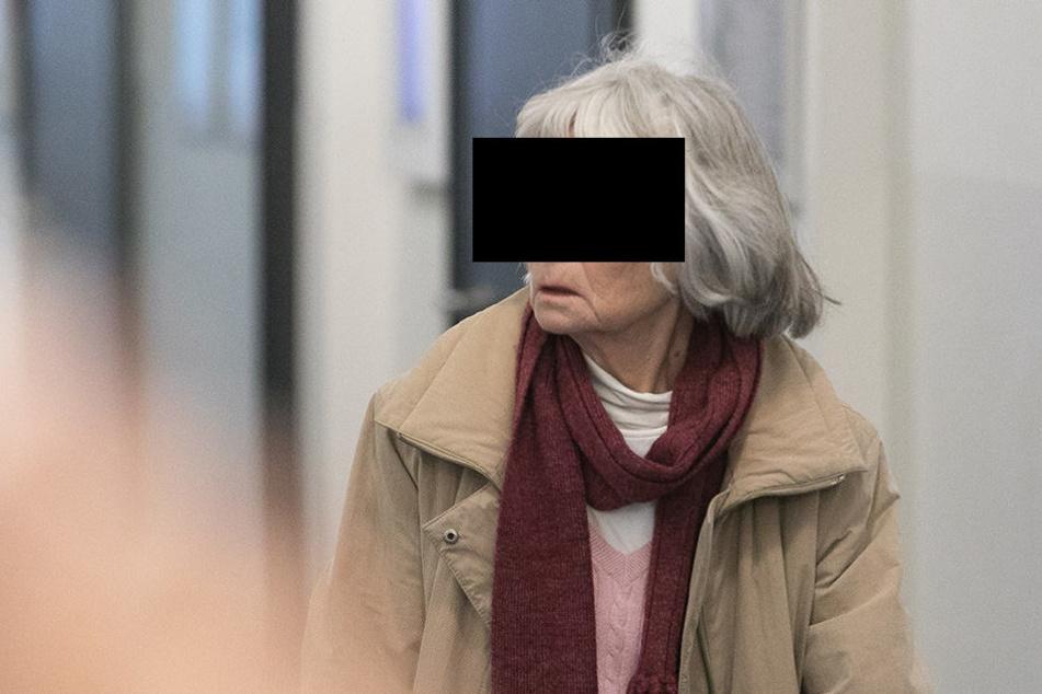 Wiltraut M. (72) hatte mal wieder lange Finger gemacht. Jetzt wurde sie zu einer Geldstrafe verdonnert.
